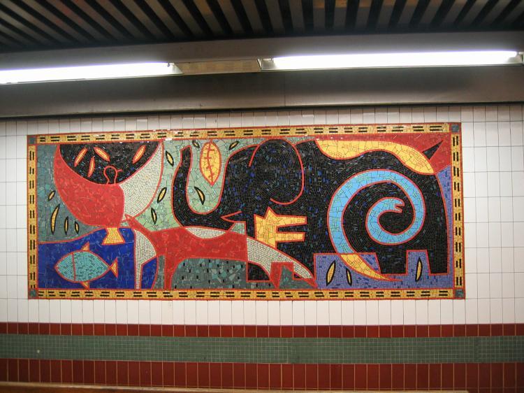 (87k, 750x562)<br><b>Country:</b> United States<br><b>City:</b> New York<br><b>System:</b> New York City Transit<br><b>Line:</b> IRT White Plains Road Line<br><b>Location:</b> 3rd Avenue/149th Street<br><b>Photo by:</b> Robbie Rosenfeld<br><b>Date:</b> 2/8/2005<br><b>Artwork:</b> <i>Una Raza, Un Mundo, Universo (One Race, One World, One Universe)</i>, José Ortega, 1996<br><b>Viewed (this week/total):</b> 5 / 3975