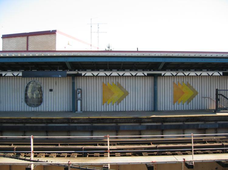 (64k, 750x562)<br><b>Country:</b> United States<br><b>City:</b> New York<br><b>System:</b> New York City Transit<br><b>Line:</b> BMT Nassau Street-Jamaica Line<br><b>Location:</b> Cypress Hills<br><b>Photo by:</b> Robbie Rosenfeld<br><b>Date:</b> 3/14/2005<br><b>Artwork:</b> <i>Five Points of Observation</i>, Kathleen McCarthy, 1990<br><b>Viewed (this week/total):</b> 2 / 4254