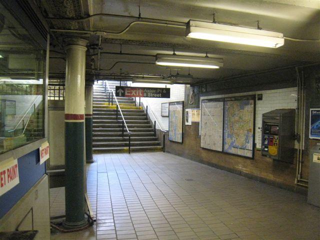 (59k, 640x480)<br><b>Country:</b> United States<br><b>City:</b> New York<br><b>System:</b> New York City Transit<br><b>Line:</b> IRT East Side Line<br><b>Location:</b> Astor Place<br><b>Photo by:</b> David Blair<br><b>Date:</b> 3/25/2009<br><b>Notes:</b> Uptown side.<br><b>Viewed (this week/total):</b> 1 / 1161