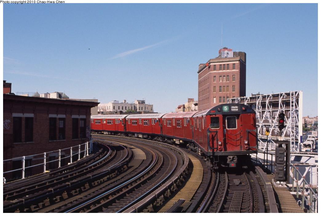 (188k, 1044x702)<br><b>Country:</b> United States<br><b>City:</b> New York<br><b>System:</b> New York City Transit<br><b>Line:</b> IRT White Plains Road Line<br><b>Location:</b> Simpson Street<br><b>Route:</b> 5<br><b>Car:</b> R-29 (St. Louis, 1962) 8785 <br><b>Photo by:</b> Chao-Hwa Chen<br><b>Date:</b> 8/9/1999<br><b>Viewed (this week/total):</b> 1 / 2030