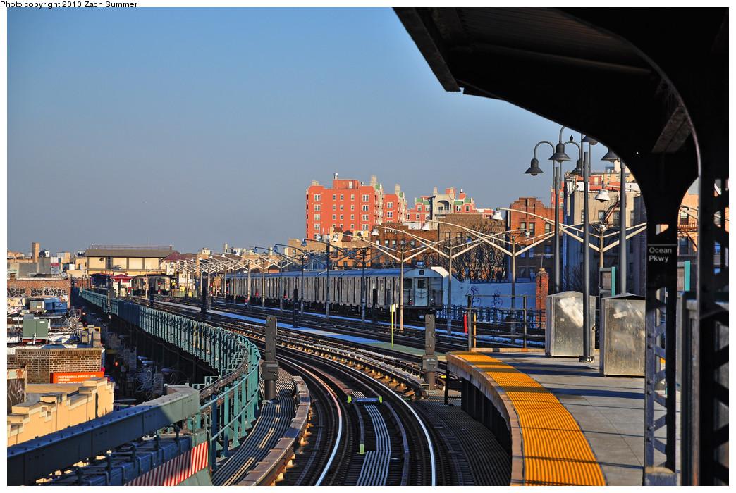 (298k, 1044x700)<br><b>Country:</b> United States<br><b>City:</b> New York<br><b>System:</b> New York City Transit<br><b>Line:</b> BMT Brighton Line<br><b>Location:</b> Ocean Parkway<br><b>Route:</b> B Layup<br><b>Car:</b> R-32 (Budd, 1964) 3611 <br><b>Photo by:</b> Zach Summer<br><b>Date:</b> 1/14/2010<br><b>Viewed (this week/total):</b> 0 / 1870