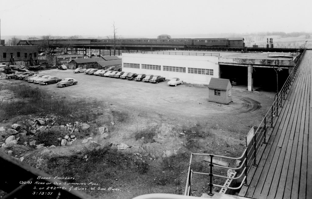 (155k, 1024x653)<br><b>Country:</b> United States<br><b>City:</b> New York<br><b>System:</b> New York City Transit<br><b>Line:</b> IRT West Side Line<br><b>Location:</b> 242nd Street/Van Cortlandt Park<br><b>Collection of:</b> J. McDonald Vanderbilt<br><b>Date:</b> 3/13/1951<br><b>Viewed (this week/total):</b> 3 / 3123