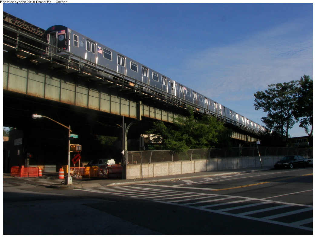 (242k, 1044x788)<br><b>Country:</b> United States<br><b>City:</b> New York<br><b>System:</b> New York City Transit<br><b>Line:</b> BMT West End Line<br><b>Location:</b> 62nd Street<br><b>Route:</b> M<br><b>Car:</b> R-160A-1 (Alstom, 2005-2008, 4 car sets) 8513 <br><b>Photo by:</b> David-Paul Gerber<br><b>Date:</b> 6/11/2010<br><b>Notes:</b> On 14th Ave at 62nd Street<br><b>Viewed (this week/total):</b> 4 / 1476
