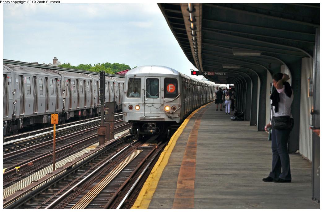 (245k, 1044x685)<br><b>Country:</b> United States<br><b>City:</b> New York<br><b>System:</b> New York City Transit<br><b>Line:</b> BMT Culver Line<br><b>Location:</b> Avenue X<br><b>Route:</b> F<br><b>Car:</b> R-46 (Pullman-Standard, 1974-75) 5496 <br><b>Photo by:</b> Zach Summer<br><b>Date:</b> 6/23/2010<br><b>Notes:</b> G.O. F Wrong-Railing into Avenue X<br><b>Viewed (this week/total):</b> 3 / 2058
