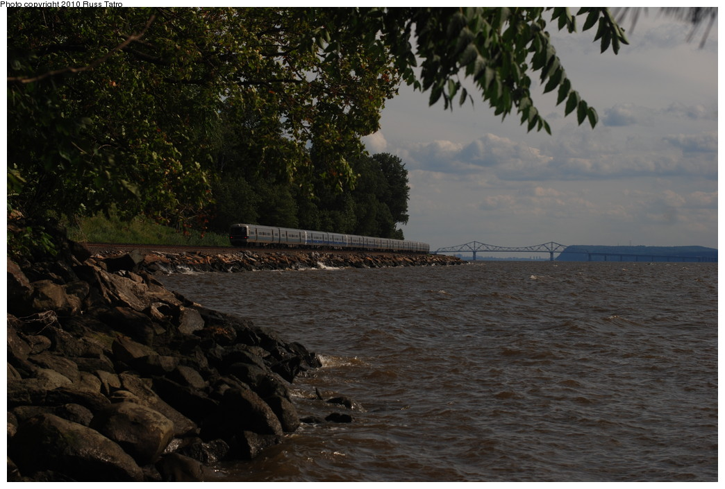 (261k, 1044x705)<br><b>Country:</b> United States<br><b>System:</b> Metro-North Railroad (or Amtrak or Predecessor RR)<br><b>Line:</b> Metro North-Hudson Line<br><b>Location:</b> Scarborough<br><b>Car:</b> MNRR M-3a EMU (Budd)  <br><b>Photo by:</b> Russ Tatro<br><b>Date:</b> 7/22/2010<br><b>Viewed (this week/total):</b> 0 / 745