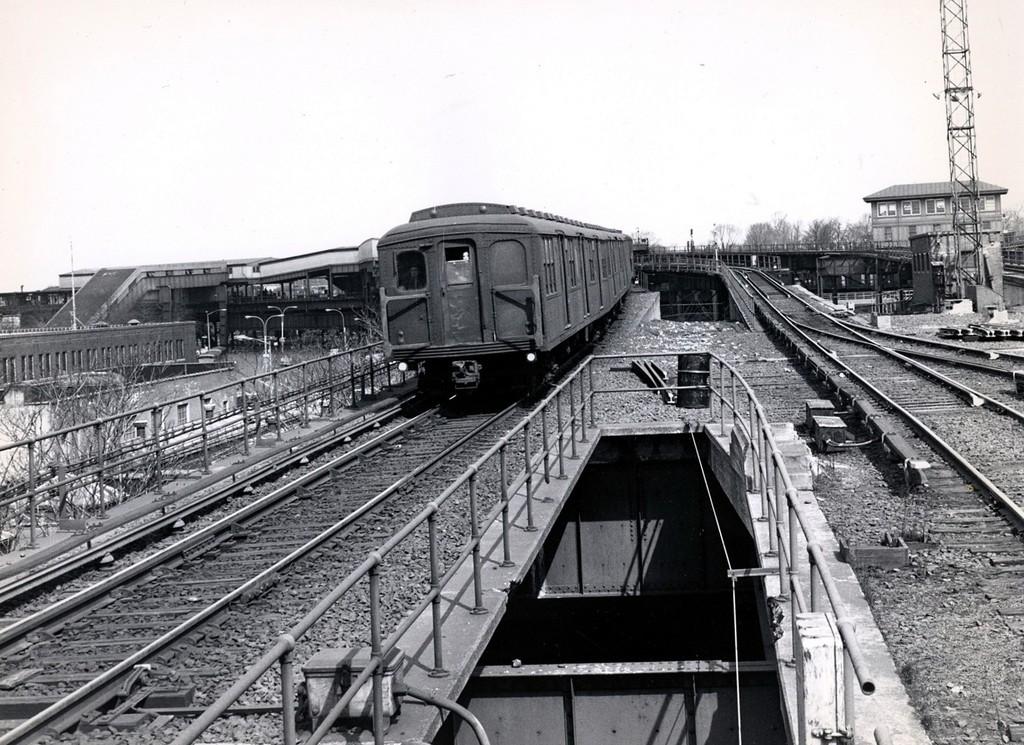 (236k, 1024x745)<br><b>Country:</b> United States<br><b>City:</b> New York<br><b>System:</b> New York City Transit<br><b>Line:</b> BMT Canarsie Line<br><b>Location:</b> Atlantic Avenue<br><b>Car:</b> BMT A/B-Type Standard  <br><b>Collection of:</b> George Conrad Collection<br><b>Date:</b> 3/22/1969<br><b>Viewed (this week/total):</b> 0 / 3373