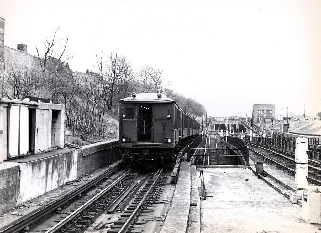 (220k, 1024x745)<br><b>Country:</b> United States<br><b>City:</b> New York<br><b>System:</b> New York City Transit<br><b>Line:</b> BMT West End Line<br><b>Location:</b> 9th Avenue<br><b>Route:</b> Fan Trip<br><b>Car:</b> BMT Q  <br><b>Collection of:</b> George Conrad Collection<br><b>Date:</b> 4/19/1964<br><b>Viewed (this week/total):</b> 1 / 2279