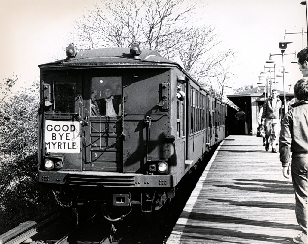 (245k, 1024x813)<br><b>Country:</b> United States<br><b>City:</b> New York<br><b>System:</b> New York City Transit<br><b>Line:</b> BMT Myrtle Avenue Line<br><b>Location:</b> Metropolitan Avenue<br><b>Route:</b> Fan Trip<br><b>Car:</b> BMT Q  <br><b>Collection of:</b> George Conrad Collection<br><b>Date:</b> 10/5/1969<br><b>Viewed (this week/total):</b> 1 / 2638