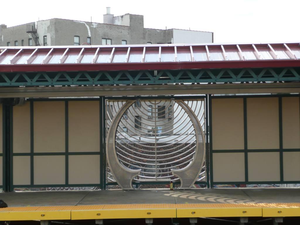 (112k, 1024x768)<br><b>Country:</b> United States<br><b>City:</b> New York<br><b>System:</b> New York City Transit<br><b>Line:</b> IRT Pelham Line<br><b>Location:</b> Whitlock Avenue<br><b>Photo by:</b> Robbie Rosenfeld<br><b>Date:</b> 10/6/2010<br><b>Artwork:</b> <i>Bronx River View</i>, Barbara Grygutis, 2010<br><b>Viewed (this week/total):</b> 3 / 2042