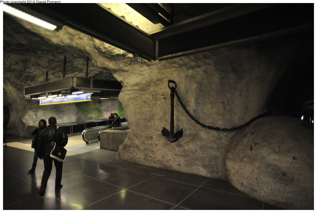 (223k, 1044x701)<br><b>Country:</b> Sweden<br><b>City:</b> Stockholm<br><b>System:</b> Storstockholms Lokaltrafik<br><b>Line:</b> Tunnelbana Blue Line<br><b>Location:</b> Fridhelmsplan<br><b>Photo by:</b> David Pirmann<br><b>Date:</b> 10/14/2010<br><b>Viewed (this week/total):</b> 3 / 453