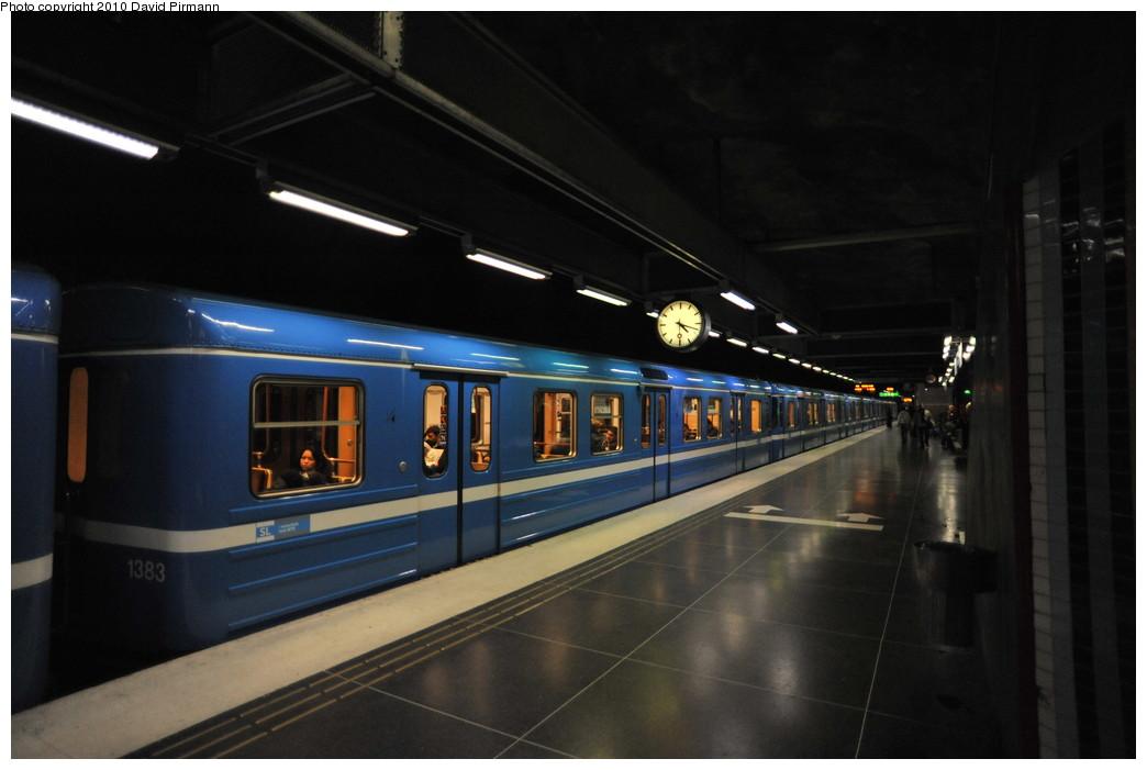 (198k, 1044x701)<br><b>Country:</b> Sweden<br><b>City:</b> Stockholm<br><b>System:</b> Storstockholms Lokaltrafik<br><b>Line:</b> Tunnelbana Blue Line<br><b>Location:</b> Västra skogen<br><b>Car:</b>  1382 <br><b>Photo by:</b> David Pirmann<br><b>Date:</b> 10/14/2010<br><b>Viewed (this week/total):</b> 2 / 485