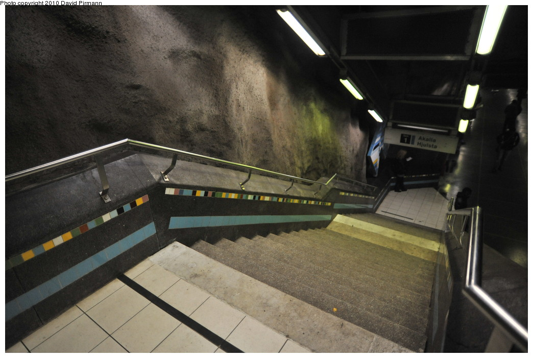 (232k, 1044x701)<br><b>Country:</b> Sweden<br><b>City:</b> Stockholm<br><b>System:</b> Storstockholms Lokaltrafik<br><b>Line:</b> Tunnelbana Blue Line<br><b>Location:</b> Västra skogen<br><b>Photo by:</b> David Pirmann<br><b>Date:</b> 10/14/2010<br><b>Viewed (this week/total):</b> 3 / 423