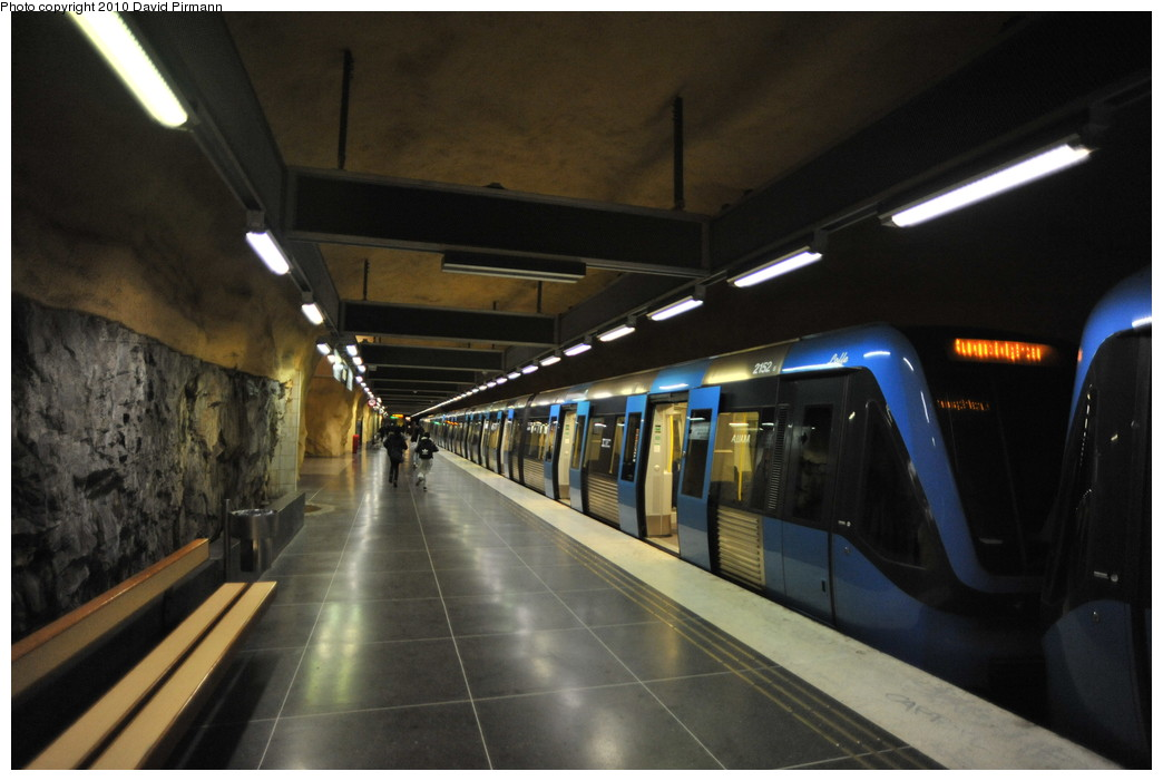 (214k, 1044x701)<br><b>Country:</b> Sweden<br><b>City:</b> Stockholm<br><b>System:</b> Storstockholms Lokaltrafik<br><b>Line:</b> Tunnelbana Blue Line<br><b>Location:</b> Akalla<br><b>Car:</b> C20 Vagn 2000 (Adtranz, 1997-2004) 2152 Loffe <br><b>Photo by:</b> David Pirmann<br><b>Date:</b> 10/14/2010<br><b>Viewed (this week/total):</b> 1 / 755