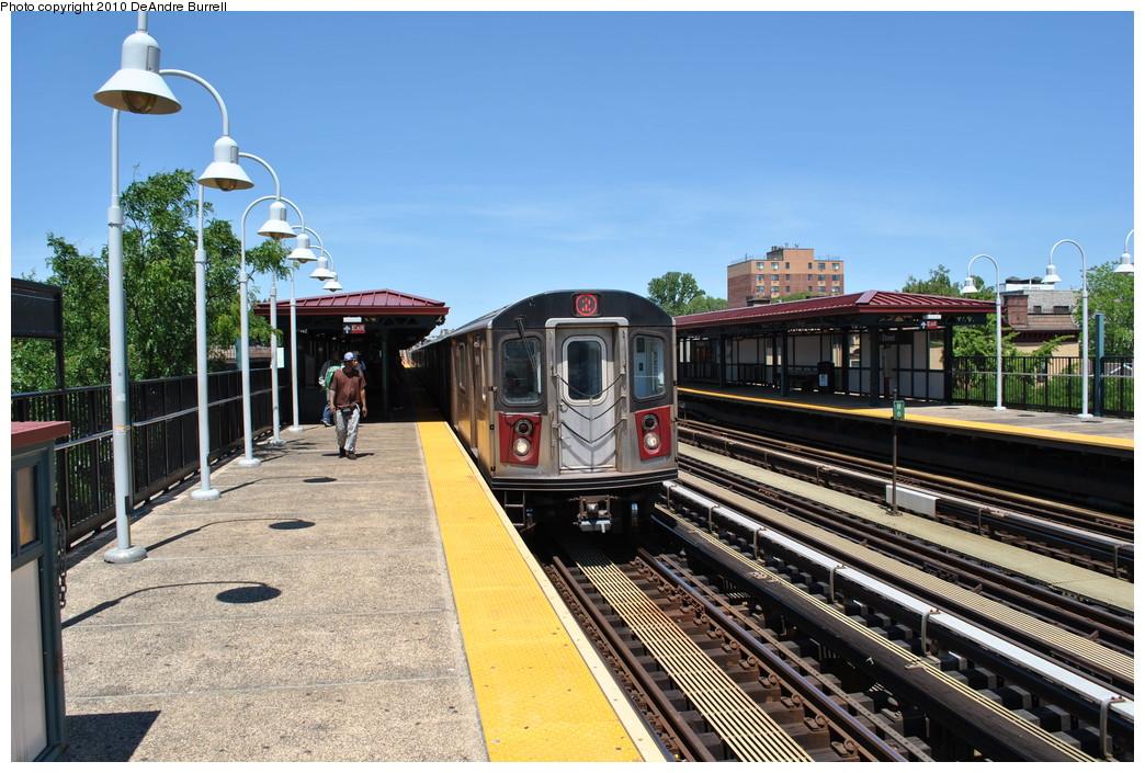 (301k, 1044x705)<br><b>Country:</b> United States<br><b>City:</b> New York<br><b>System:</b> New York City Transit<br><b>Line:</b> IRT White Plains Road Line<br><b>Location:</b> 219th Street<br><b>Route:</b> 2<br><b>Car:</b> R-142 (Primary Order, Bombardier, 1999-2002) 6600 <br><b>Photo by:</b> DeAndre Burrell<br><b>Date:</b> 5/30/2010<br><b>Viewed (this week/total):</b> 2 / 1673