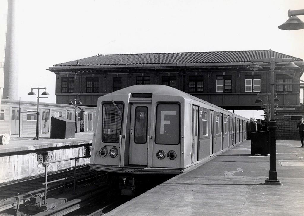 (174k, 1024x728)<br><b>Country:</b> United States<br><b>City:</b> New York<br><b>System:</b> New York City Transit<br><b>Location:</b> Coney Island/Stillwell Avenue<br><b>Route:</b> F<br><b>Car:</b> R-40 (St. Louis, 1968)  <br><b>Collection of:</b> George Conrad Collection<br><b>Date:</b> 4/6/1968<br><b>Viewed (this week/total):</b> 1 / 2430
