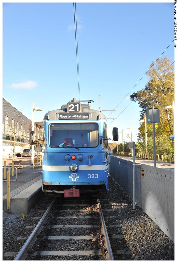 (268k, 701x1044)<br><b>Country:</b> Sweden<br><b>City:</b> Stockholm<br><b>System:</b> Storstockholms Lokaltrafik<br><b>Line:</b> Lidingöbanan<br><b>Location:</b> Gåshaga brygga<br><b>Car:</b>  323 <br><b>Photo by:</b> David Pirmann<br><b>Date:</b> 10/14/2010<br><b>Viewed (this week/total):</b> 2 / 678