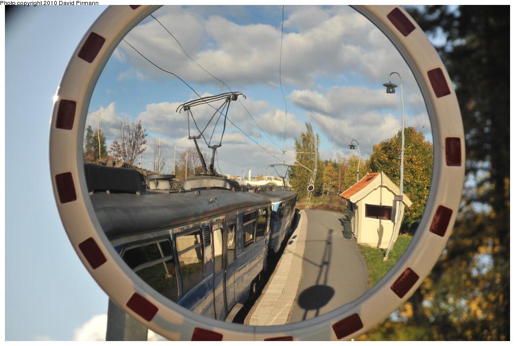 (226k, 1044x701)<br><b>Country:</b> Sweden<br><b>City:</b> Stockholm<br><b>System:</b> Storstockholms Lokaltrafik<br><b>Line:</b> Lidingöbanan<br><b>Location:</b> Talludden<br><b>Photo by:</b> David Pirmann<br><b>Date:</b> 10/14/2010<br><b>Viewed (this week/total):</b> 3 / 751