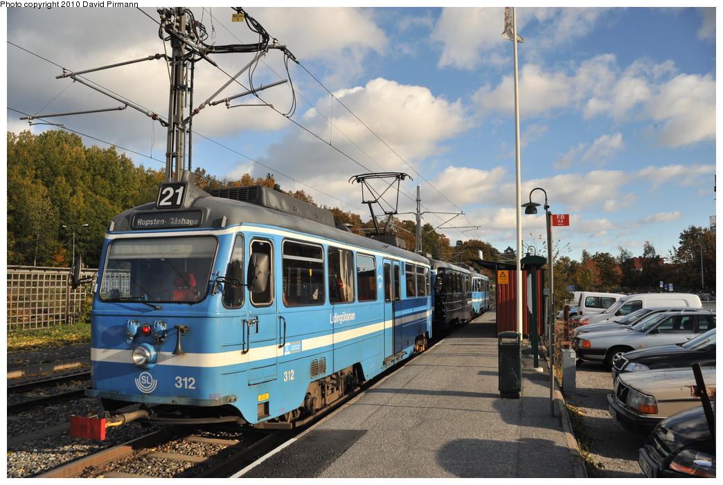 (297k, 1044x701)<br><b>Country:</b> Sweden<br><b>City:</b> Stockholm<br><b>System:</b> Storstockholms Lokaltrafik<br><b>Line:</b> Lidingöbanan<br><b>Location:</b> AGA<br><b>Car:</b>  312 <br><b>Photo by:</b> David Pirmann<br><b>Date:</b> 10/14/2010<br><b>Viewed (this week/total):</b> 4 / 954
