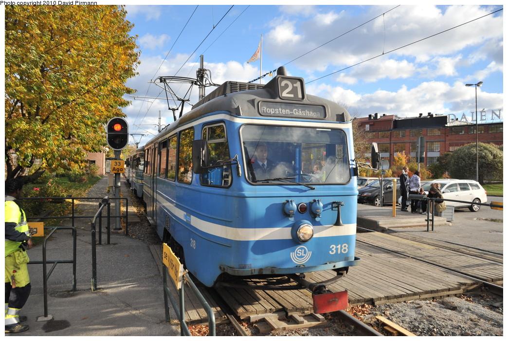 (344k, 1044x701)<br><b>Country:</b> Sweden<br><b>City:</b> Stockholm<br><b>System:</b> Storstockholms Lokaltrafik<br><b>Line:</b> Lidingöbanan<br><b>Location:</b> AGA<br><b>Car:</b>  318 <br><b>Photo by:</b> David Pirmann<br><b>Date:</b> 10/14/2010<br><b>Viewed (this week/total):</b> 4 / 755