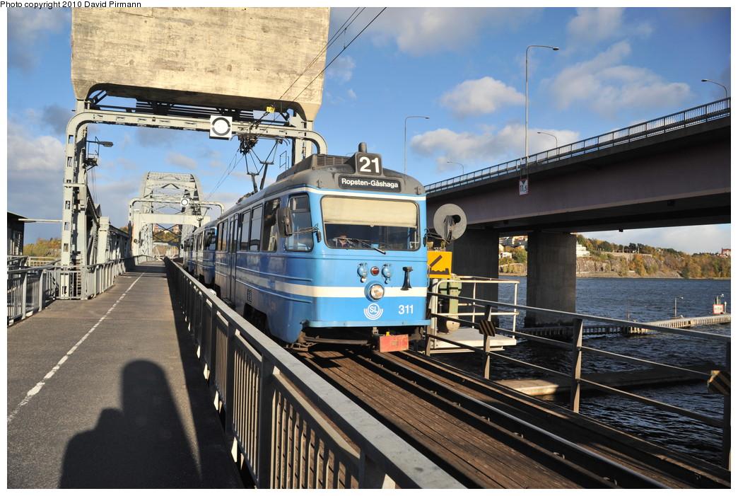 (294k, 1044x701)<br><b>Country:</b> Sweden<br><b>City:</b> Stockholm<br><b>System:</b> Storstockholms Lokaltrafik<br><b>Line:</b> Lidingöbanan<br><b>Location:</b> Lidingöbron (Bridge)<br><b>Car:</b>  311 <br><b>Photo by:</b> David Pirmann<br><b>Date:</b> 10/14/2010<br><b>Viewed (this week/total):</b> 2 / 845