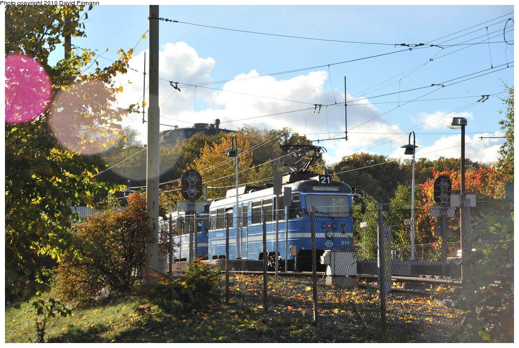 (357k, 1044x701)<br><b>Country:</b> Sweden<br><b>City:</b> Stockholm<br><b>System:</b> Storstockholms Lokaltrafik<br><b>Line:</b> Lidingöbanan<br><b>Location:</b> Ropsten<br><b>Car:</b>  314 <br><b>Photo by:</b> David Pirmann<br><b>Date:</b> 10/14/2010<br><b>Viewed (this week/total):</b> 0 / 808