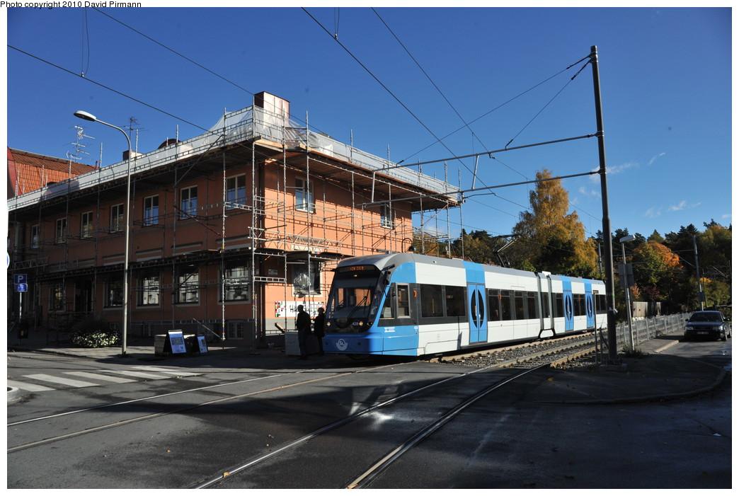 (261k, 1044x701)<br><b>Country:</b> Sweden<br><b>City:</b> Stockholm<br><b>System:</b> Storstockholms Lokaltrafik<br><b>Line:</b> Nockebybanan<br><b>Location:</b> Ålstensgatan<br><b>Car:</b> Flexity Swift SL Class A32 (Adtranz/Bombardier, 1999-2009) 428 <br><b>Photo by:</b> David Pirmann<br><b>Date:</b> 10/14/2010<br><b>Notes:</b> Outbound.<br><b>Viewed (this week/total):</b> 1 / 1050