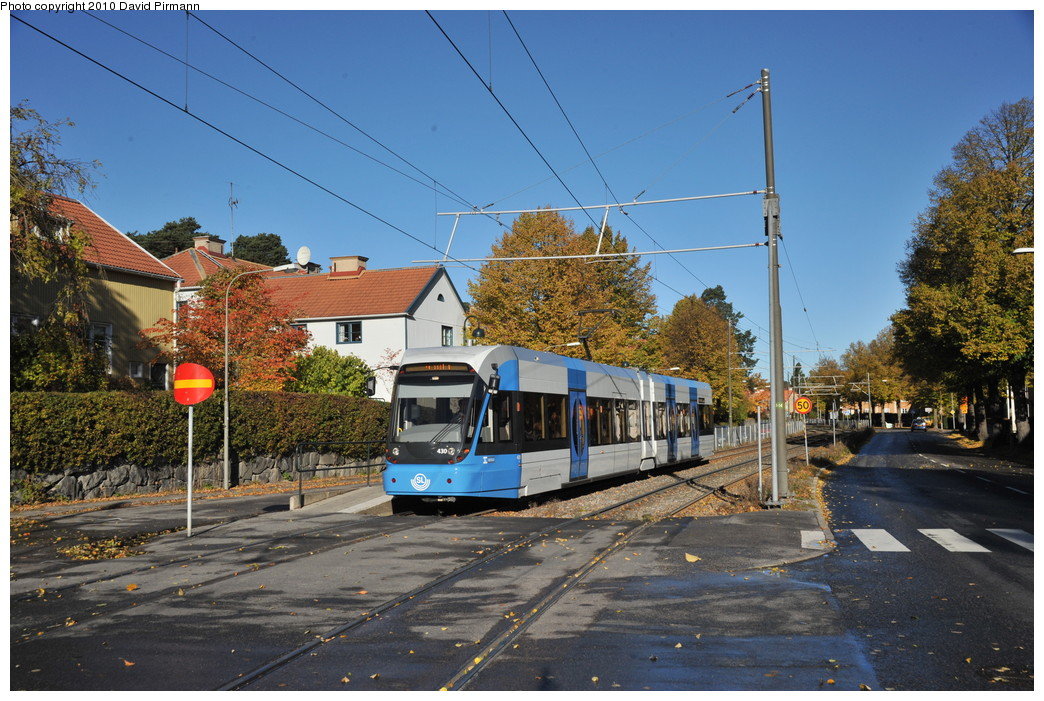 (306k, 1044x701)<br><b>Country:</b> Sweden<br><b>City:</b> Stockholm<br><b>System:</b> Storstockholms Lokaltrafik<br><b>Line:</b> Nockebybanan<br><b>Location:</b> Klövervägen<br><b>Car:</b> Flexity Swift SL Class A32 (Adtranz/Bombardier, 1999-2009) 430 <br><b>Photo by:</b> David Pirmann<br><b>Date:</b> 10/14/2010<br><b>Notes:</b> Outbound.<br><b>Viewed (this week/total):</b> 0 / 1188