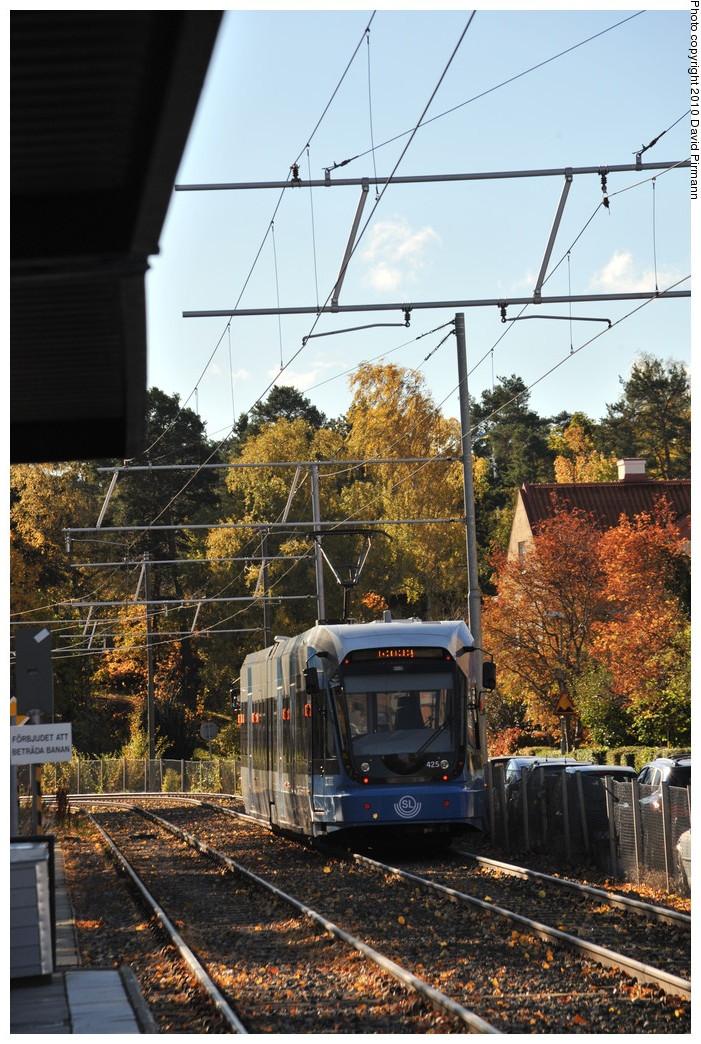 (320k, 701x1044)<br><b>Country:</b> Sweden<br><b>City:</b> Stockholm<br><b>System:</b> Storstockholms Lokaltrafik<br><b>Line:</b> Nockebybanan<br><b>Location:</b> Alléparken<br><b>Car:</b> Flexity Swift SL Class A32 (Adtranz/Bombardier, 1999-2009) 425 <br><b>Photo by:</b> David Pirmann<br><b>Date:</b> 10/14/2010<br><b>Notes:</b> Outbound.<br><b>Viewed (this week/total):</b> 1 / 1118