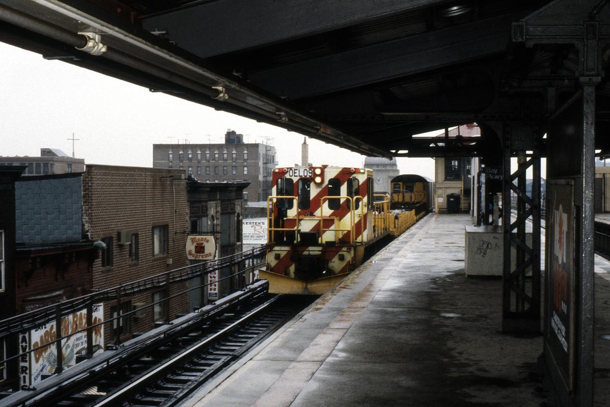 (484k, 1200x800)<br><b>Country:</b> United States<br><b>City:</b> New York<br><b>System:</b> New York City Transit<br><b>Line:</b> BMT West End Line<br><b>Location:</b> Bay Parkway<br><b>Car:</b> R-77E Locomotive E09 <br><b>Collection of:</b> Collection of nycsubway.org<br><b>Notes:</b> 1980s<br><b>Viewed (this week/total):</b> 1 / 1782