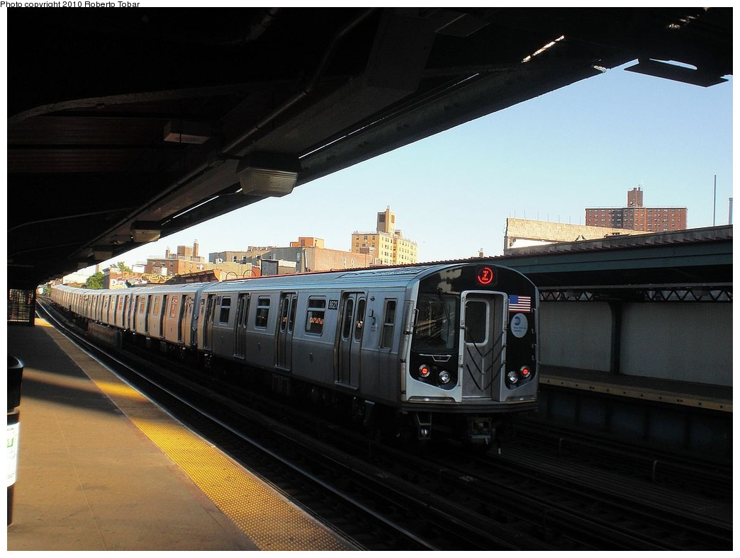 (202k, 1044x788)<br><b>Country:</b> United States<br><b>City:</b> New York<br><b>System:</b> New York City Transit<br><b>Line:</b> BMT Nassau Street-Jamaica Line<br><b>Location:</b> Flushing Avenue<br><b>Route:</b> Z<br><b>Car:</b> R-160A-1 (Alstom, 2005-2008, 4 car sets) 8621 <br><b>Photo by:</b> Roberto C. Tobar<br><b>Date:</b> 5/5/2010<br><b>Viewed (this week/total):</b> 0 / 1326