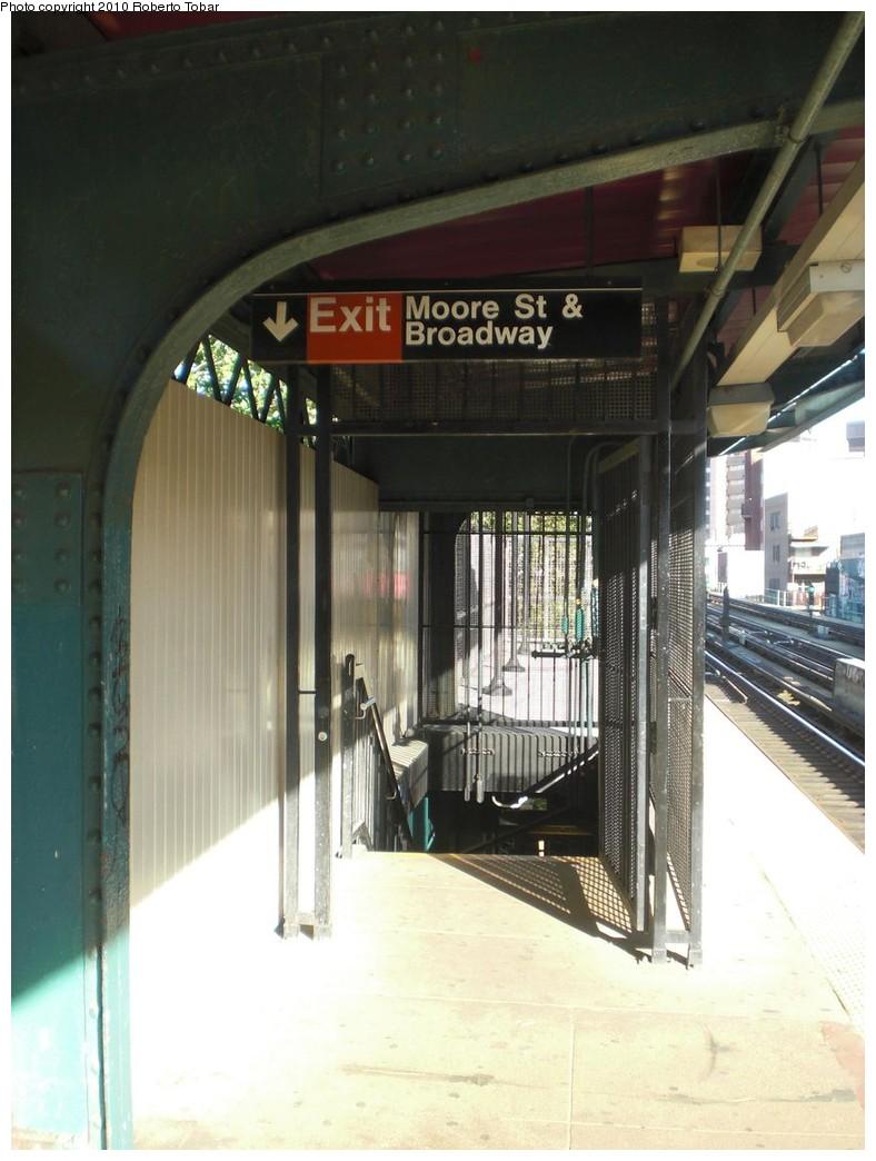 (210k, 788x1044)<br><b>Country:</b> United States<br><b>City:</b> New York<br><b>System:</b> New York City Transit<br><b>Line:</b> BMT Nassau Street-Jamaica Line<br><b>Location:</b> Lorimer Street<br><b>Photo by:</b> Roberto C. Tobar<br><b>Date:</b> 5/5/2010<br><b>Notes:</b> Stairs to street- Moore & Broadway.<br><b>Viewed (this week/total):</b> 5 / 1089