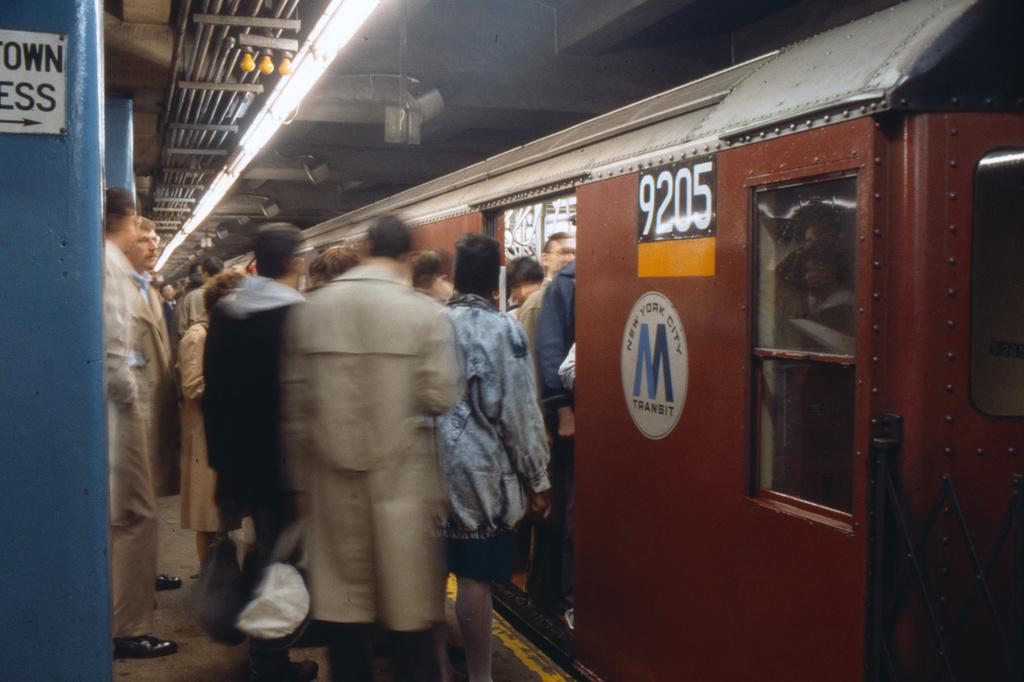 (294k, 1024x682)<br><b>Country:</b> United States<br><b>City:</b> New York<br><b>System:</b> New York City Transit<br><b>Line:</b> IRT East Side Line<br><b>Location:</b> Grand Central<br><b>Route:</b> 4<br><b>Car:</b> R-33 Main Line (St. Louis, 1962-63) 9205 <br><b>Collection of:</b> Collection of nycsubway.org<br><b>Date:</b> 3/1988<br><b>Viewed (this week/total):</b> 2 / 5253