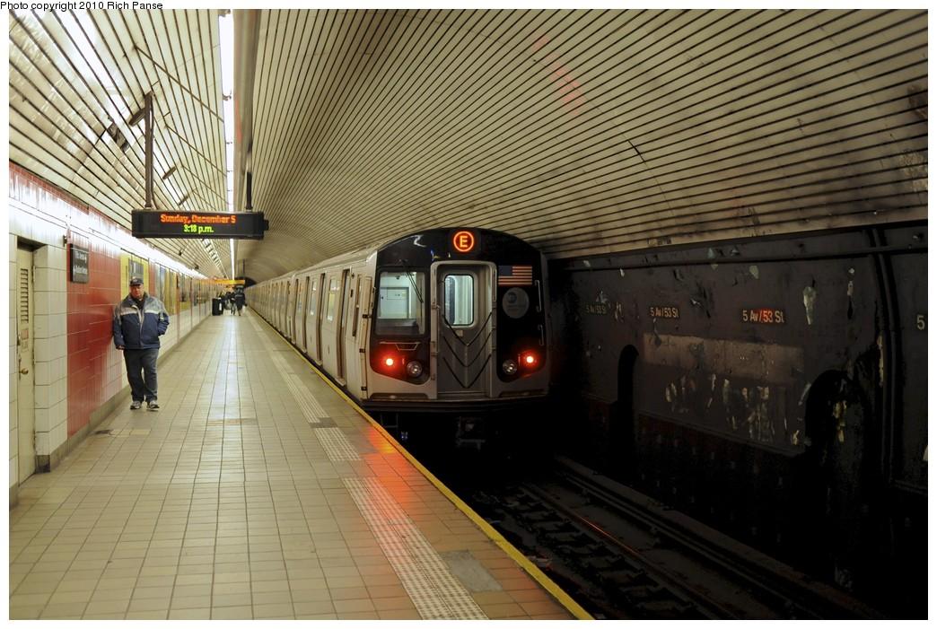 (212k, 1044x701)<br><b>Country:</b> United States<br><b>City:</b> New York<br><b>System:</b> New York City Transit<br><b>Line:</b> IND Queens Boulevard Line<br><b>Location:</b> 5th Avenue/53rd Street<br><b>Route:</b> E<br><b>Car:</b> R-160A (Option 2) (Alstom, 2009, 5-car sets) 9758 <br><b>Photo by:</b> Richard Panse<br><b>Date:</b> 12/5/2010<br><b>Viewed (this week/total):</b> 2 / 1658