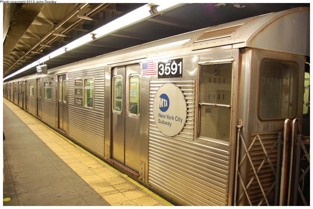 (247k, 1044x699)<br><b>Country:</b> United States<br><b>City:</b> New York<br><b>System:</b> New York City Transit<br><b>Line:</b> IND 8th Avenue Line<br><b>Location:</b> 168th Street<br><b>Route:</b> C<br><b>Car:</b> R-32 (Budd, 1964) 3591 <br><b>Photo by:</b> John Dooley<br><b>Date:</b> 12/3/2010<br><b>Viewed (this week/total):</b> 1 / 1320
