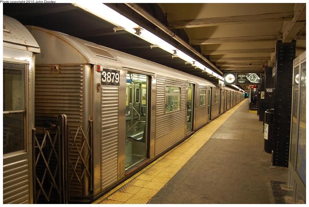 (239k, 1044x699)<br><b>Country:</b> United States<br><b>City:</b> New York<br><b>System:</b> New York City Transit<br><b>Line:</b> IND 8th Avenue Line<br><b>Location:</b> 168th Street<br><b>Route:</b> C<br><b>Car:</b> R-32 (Budd, 1964) 3879 <br><b>Photo by:</b> John Dooley<br><b>Date:</b> 12/3/2010<br><b>Viewed (this week/total):</b> 1 / 1487
