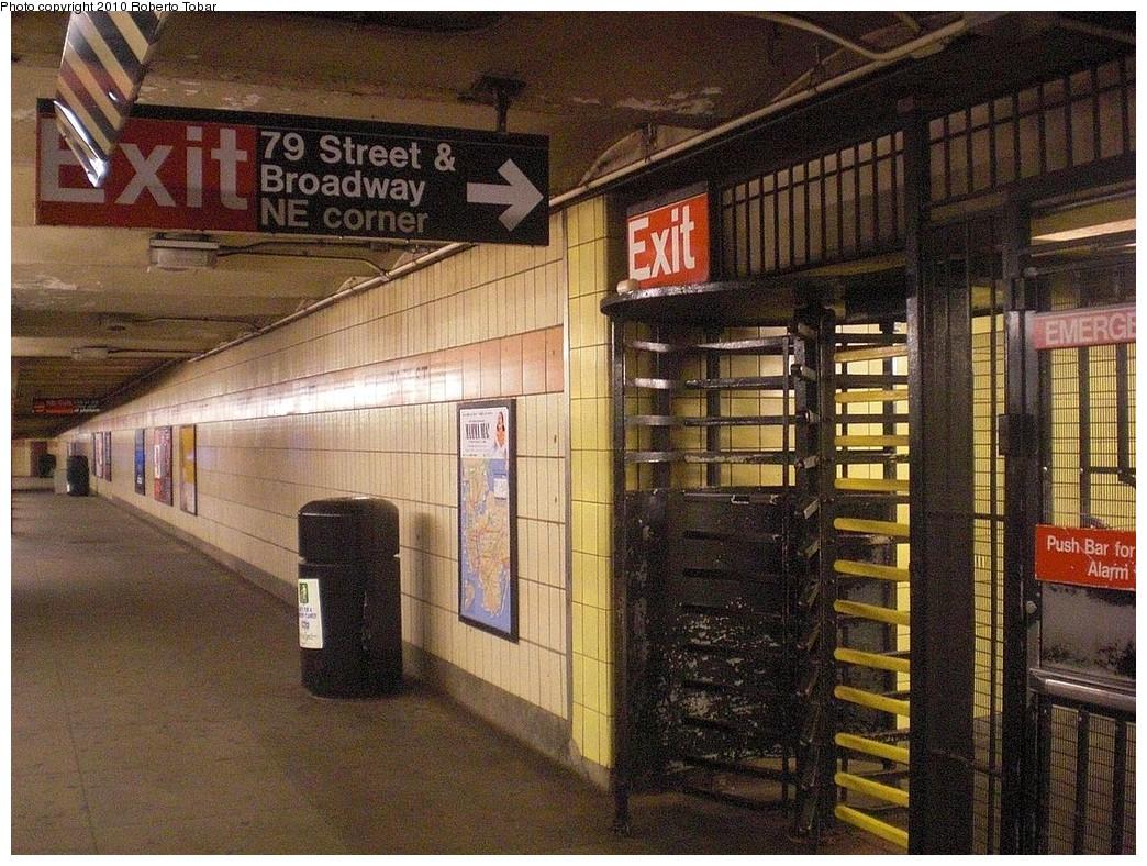 (341k, 1044x788)<br><b>Country:</b> United States<br><b>City:</b> New York<br><b>System:</b> New York City Transit<br><b>Line:</b> IRT West Side Line<br><b>Location:</b> 79th Street<br><b>Photo by:</b> Roberto C. Tobar<br><b>Date:</b> 11/27/2010<br><b>Notes:</b> Platform view.<br><b>Viewed (this week/total):</b> 1 / 2111