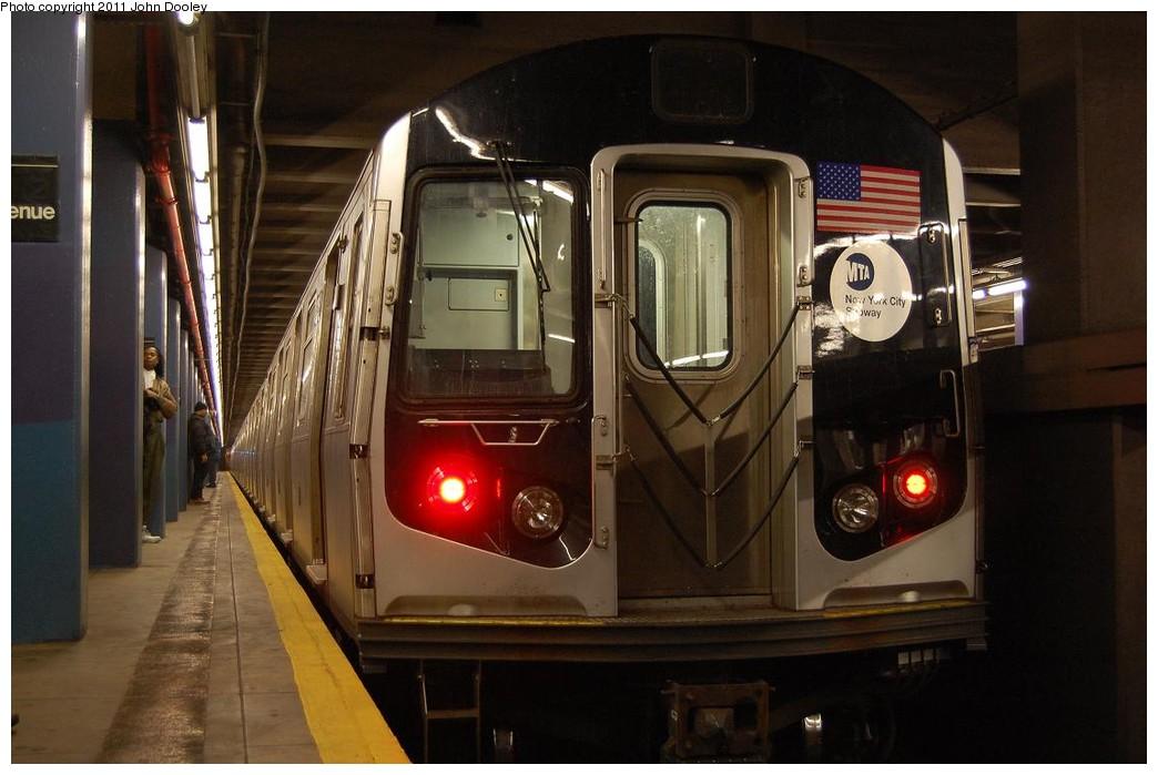 (194k, 1044x699)<br><b>Country:</b> United States<br><b>City:</b> New York<br><b>System:</b> New York City Transit<br><b>Line:</b> IND 6th Avenue Line<br><b>Location:</b> 2nd Avenue<br><b>Route:</b> M<br><b>Car:</b> R-160A-1 (Alstom, 2005-2008, 4 car sets)  <br><b>Photo by:</b> John Dooley<br><b>Date:</b> 12/26/2010<br><b>Notes:</b> Snowstorm layup<br><b>Viewed (this week/total):</b> 1 / 1845
