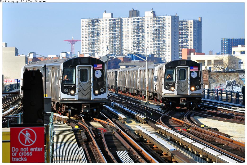 (361k, 1044x696)<br><b>Country:</b> United States<br><b>City:</b> New York<br><b>System:</b> New York City Transit<br><b>Line:</b> BMT Brighton Line<br><b>Location:</b> Brighton Beach<br><b>Car:</b> R-160B (Kawasaki, 2005-2008) 8757 <br><b>Photo by:</b> Zach Summer<br><b>Date:</b> 1/1/2011<br><b>Notes:</b> With R160B 9093 pulling into Brighton Beach simultaneously<br><b>Viewed (this week/total):</b> 1 / 2253