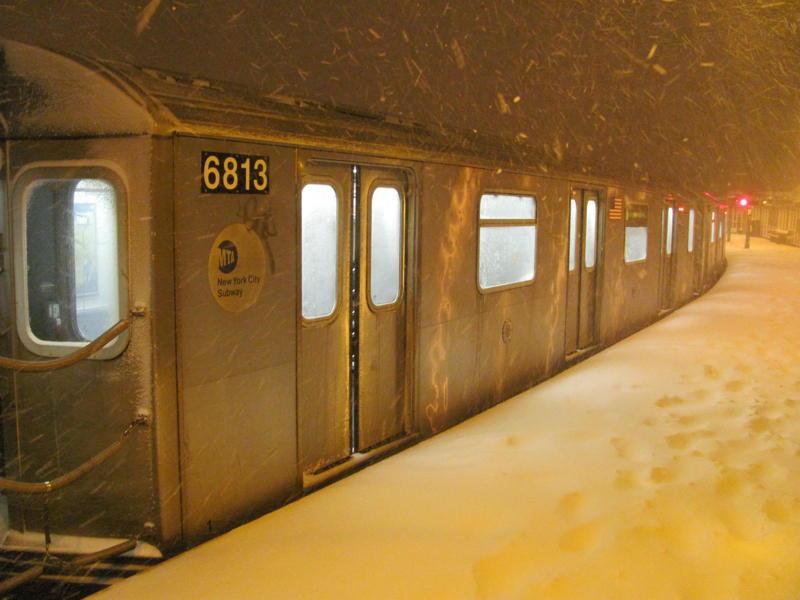 (59k, 800x600)<br><b>Country:</b> United States<br><b>City:</b> New York<br><b>System:</b> New York City Transit<br><b>Line:</b> IRT White Plains Road Line<br><b>Location:</b> West Farms Sq./East Tremont Ave./177th St.<br><b>Route:</b> 5<br><b>Car:</b> R-142 or R-142A (Number Unknown)  <br><b>Photo by:</b> Steven Cruz<br><b>Date:</b> 12/26/2010<br><b>Viewed (this week/total):</b> 0 / 3024