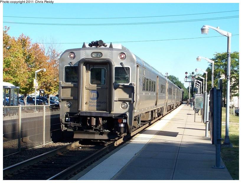(178k, 820x620)<br><b>Country:</b> United States<br><b>System:</b> NJ Transit (or Predecessor)<br><b>Line:</b> NJT Main/Bergen Line<br><b>Location:</b> Ramsey<br><b>Car:</b> MNRR Comet V 6711 <br><b>Photo by:</b> Chris Reidy<br><b>Date:</b> 9/15/2010<br><b>Viewed (this week/total):</b> 0 / 852