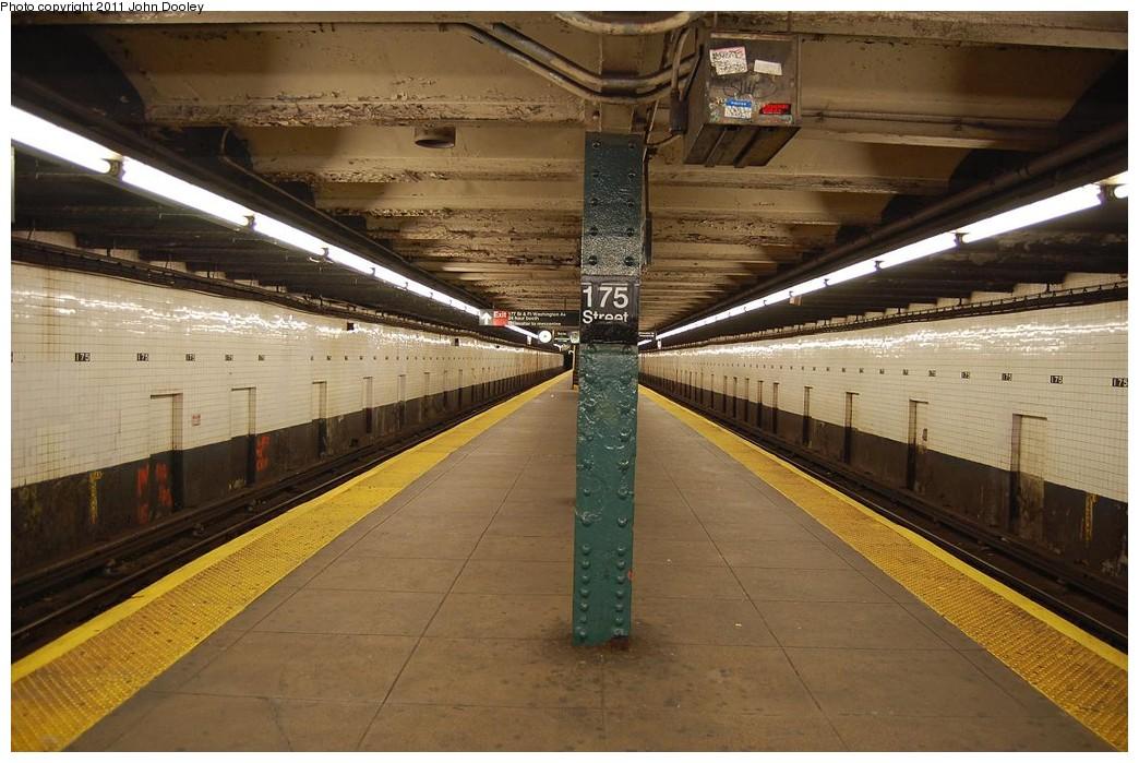 (232k, 1044x699)<br><b>Country:</b> United States<br><b>City:</b> New York<br><b>System:</b> New York City Transit<br><b>Line:</b> IND 8th Avenue Line<br><b>Location:</b> 175th Street/George Washington Bridge Bus Terminal<br><b>Photo by:</b> John Dooley<br><b>Date:</b> 12/3/2010<br><b>Notes:</b> Platform view.<br><b>Viewed (this week/total):</b> 2 / 2255