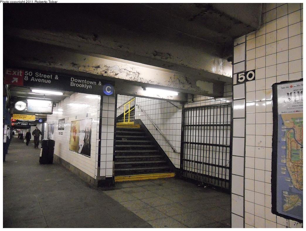 (299k, 1044x788)<br><b>Country:</b> United States<br><b>City:</b> New York<br><b>System:</b> New York City Transit<br><b>Line:</b> IND Queens Boulevard Line<br><b>Location:</b> 50th Street<br><b>Photo by:</b> Roberto C. Tobar<br><b>Date:</b> 2/4/2011<br><b>Notes:</b> E-Queens platform.<br><b>Viewed (this week/total):</b> 1 / 2143