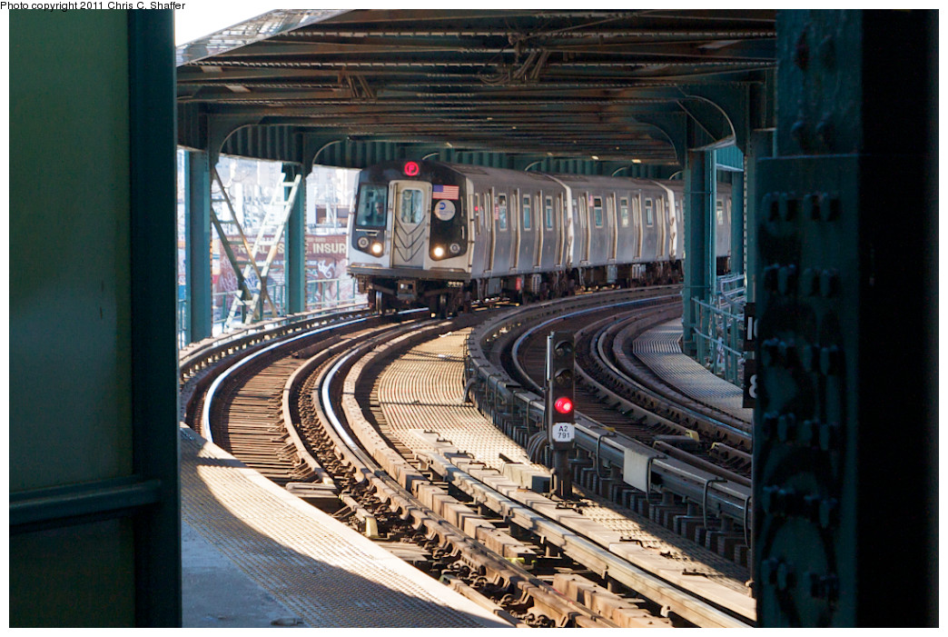(274k, 1044x701)<br><b>Country:</b> United States<br><b>City:</b> New York<br><b>System:</b> New York City Transit<br><b>Line:</b> BMT Culver Line<br><b>Location:</b> West 8th Street<br><b>Route:</b> F<br><b>Car:</b> R-160A (Option 2) (Alstom, 2009, 5-car sets)  <br><b>Photo by:</b> Chris C. Shaffer<br><b>Date:</b> 2/11/2011<br><b>Viewed (this week/total):</b> 0 / 2254