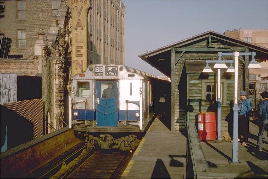 (228k, 1024x684)<br><b>Country:</b> United States<br><b>City:</b> New York<br><b>System:</b> New York City Transit<br><b>Line:</b> BMT Nassau Street-Jamaica Line<br><b>Location:</b> 168th Street (Demolished)<br><b>Route:</b> Fan Trip<br><b>Car:</b> R-10 (American Car & Foundry, 1948) 3298 <br><b>Photo by:</b> Steve Zabel<br><b>Collection of:</b> Joe Testagrose<br><b>Date:</b> 10/23/1976<br><b>Viewed (this week/total):</b> 1 / 9205
