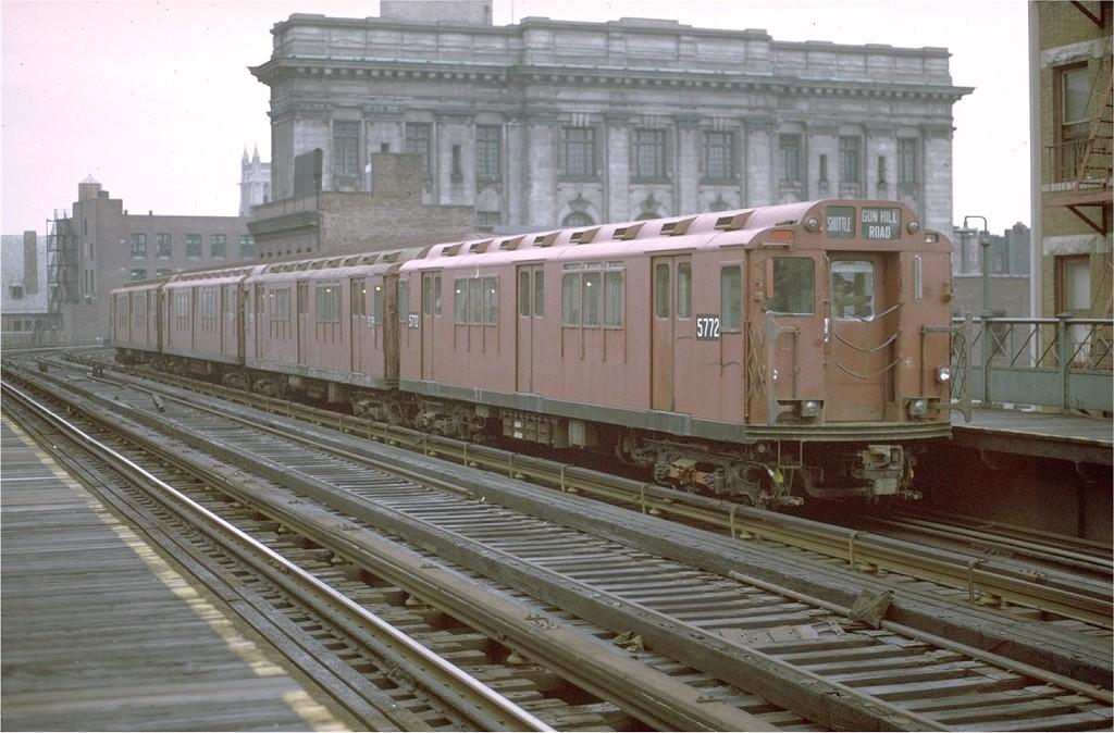 (195k, 1024x674)<br><b>Country:</b> United States<br><b>City:</b> New York<br><b>System:</b> New York City Transit<br><b>Line:</b> 3rd Avenue El<br><b>Location:</b> 161st Street<br><b>Car:</b> R-12 (American Car & Foundry, 1948) 5772 <br><b>Photo by:</b> Joe Testagrose<br><b>Date:</b> 9/21/1971<br><b>Viewed (this week/total):</b> 0 / 3960