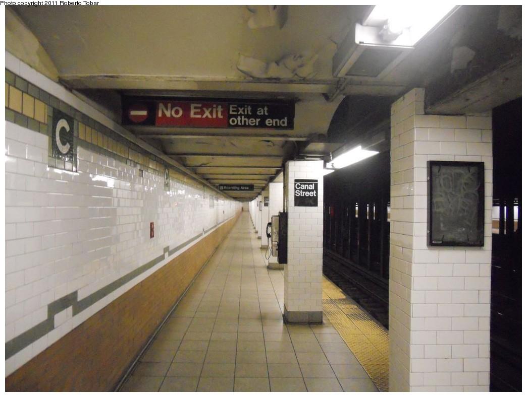 (207k, 1044x788)<br><b>Country:</b> United States<br><b>City:</b> New York<br><b>System:</b> New York City Transit<br><b>Line:</b> IRT East Side Line<br><b>Location:</b> Canal Street<br><b>Photo by:</b> Roberto C. Tobar<br><b>Date:</b> 4/6/2011<br><b>Notes:</b> Platform view.<br><b>Viewed (this week/total):</b> 5 / 1968