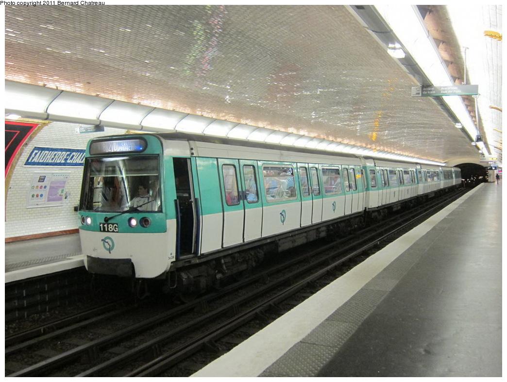 (301k, 1044x787)<br><b>Country:</b> France<br><b>City:</b> Paris<br><b>System:</b> RATP (Régie Autonome des Transports Parisiens)<br><b>Line:</b> Metro Ligne 8<br><b>Location:</b> Faidherbe-Chaligny<br><b>Car:</b> MF77 30236 <br><b>Photo by:</b> Bernard Chatreau<br><b>Date:</b> 6/11/2010<br><b>Viewed (this week/total):</b> 0 / 518