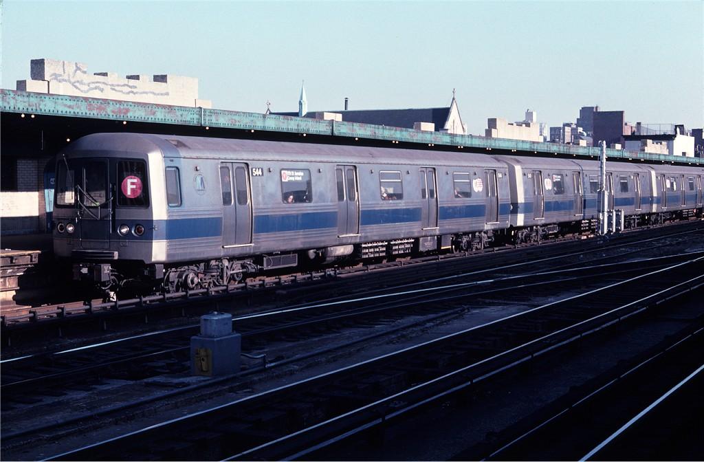 (171k, 1024x672)<br><b>Country:</b> United States<br><b>City:</b> New York<br><b>System:</b> New York City Transit<br><b>Line:</b> IND Crosstown Line<br><b>Location:</b> 4th Avenue<br><b>Route:</b> F<br><b>Car:</b> R-46 (Pullman-Standard, 1974-75) 544 <br><b>Photo by:</b> Doug Grotjahn<br><b>Collection of:</b> Joe Testagrose<br><b>Date:</b> 12/5/1976<br><b>Viewed (this week/total):</b> 0 / 2115
