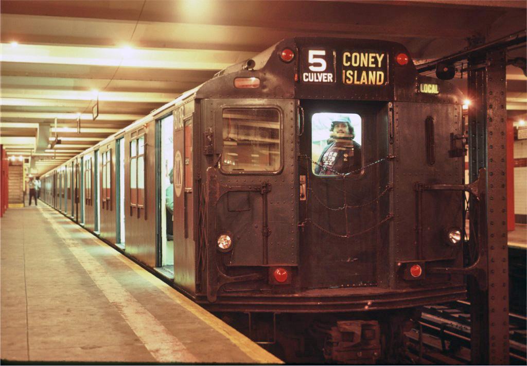 (229k, 1024x711)<br><b>Country:</b> United States<br><b>City:</b> New York<br><b>System:</b> New York City Transit<br><b>Line:</b> IND Crosstown Line<br><b>Location:</b> Church Avenue<br><b>Route:</b> Fan Trip<br><b>Car:</b> R-10 (American Car & Foundry, 1948) 3136 <br><b>Photo by:</b> Eric Oszustowicz<br><b>Collection of:</b> Joe Testagrose<br><b>Date:</b> 6/8/1986<br><b>Viewed (this week/total):</b> 0 / 4455