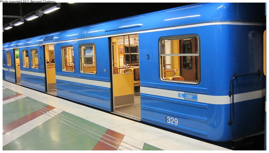 (249k, 1044x595)<br><b>Country:</b> Sweden<br><b>City:</b> Stockholm<br><b>System:</b> Storstockholms Lokaltrafik<br><b>Line:</b> Tunnelbana Blue Line<br><b>Location:</b> Kungsträdgården<br><b>Car:</b>  1329 <br><b>Photo by:</b> Bernard Chatreau<br><b>Date:</b> 9/15/2010<br><b>Viewed (this week/total):</b> 0 / 402